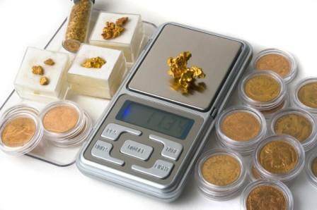 Scale with many forms of gold